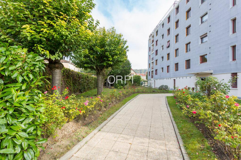 Achat Appartement 3 pièces à Rueil-Malmaison - vignette-1