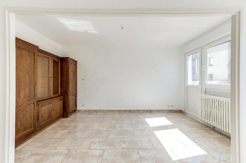 Achat Appartement 4 pièces à Thionville - vignette-2