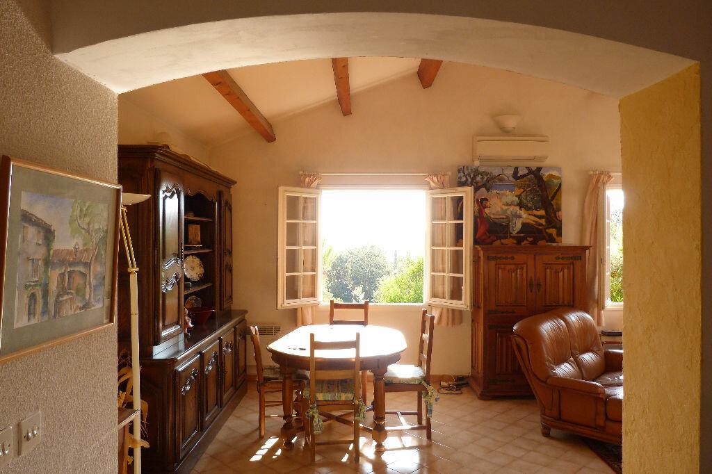 Achat Maison 6 pièces à Roquebrune-sur-Argens - vignette-3
