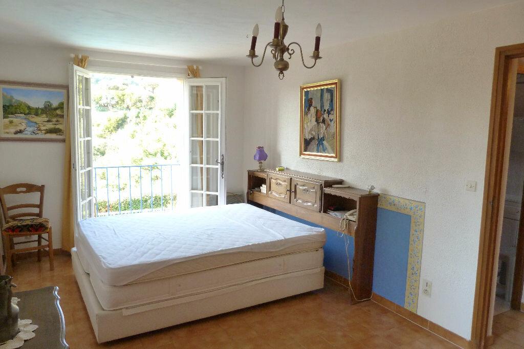 Achat Maison 6 pièces à Roquebrune-sur-Argens - vignette-9