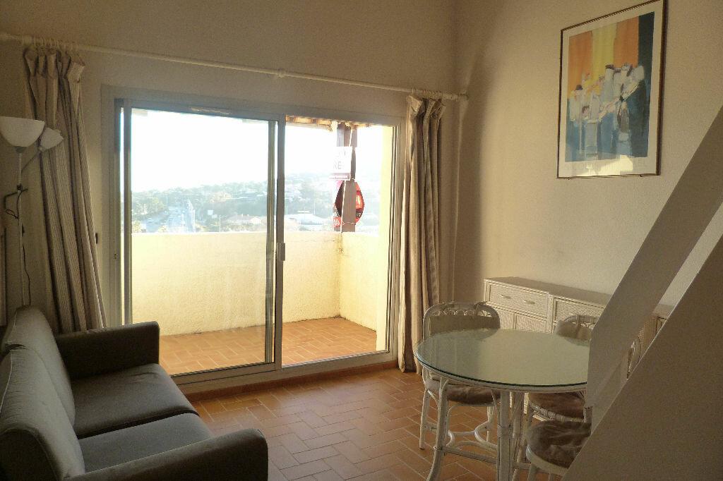 Achat Appartement 2 pièces à Roquebrune-sur-Argens - vignette-2