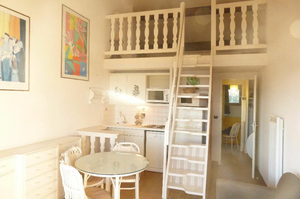 Achat Appartement 2 pièces à Roquebrune-sur-Argens - vignette-3