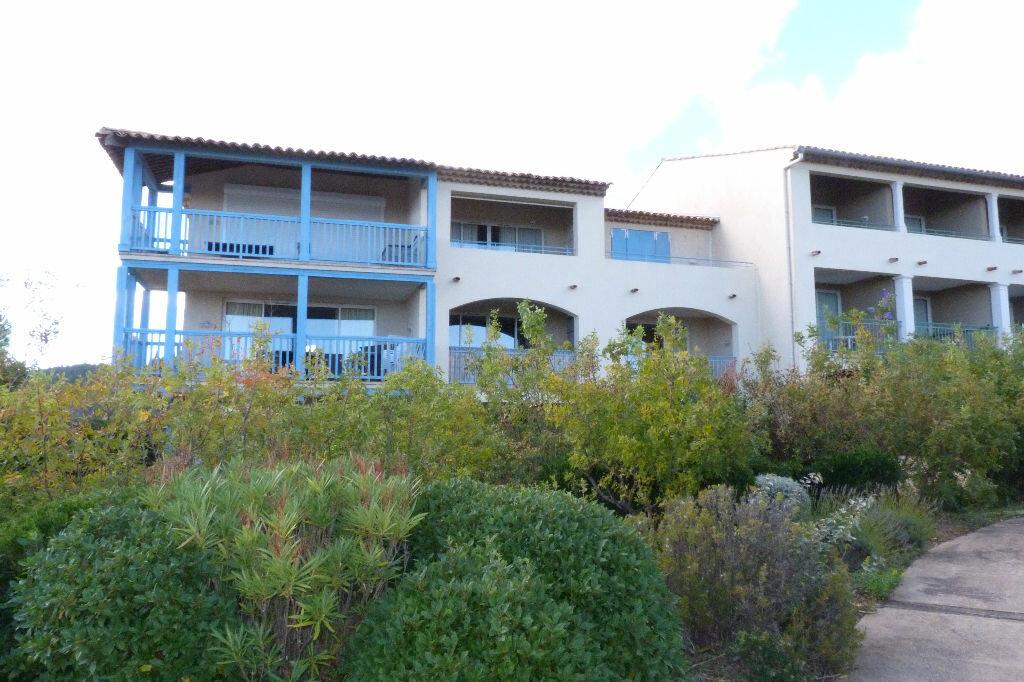 Achat Appartement 2 pièces à Roquebrune-sur-Argens - vignette-12