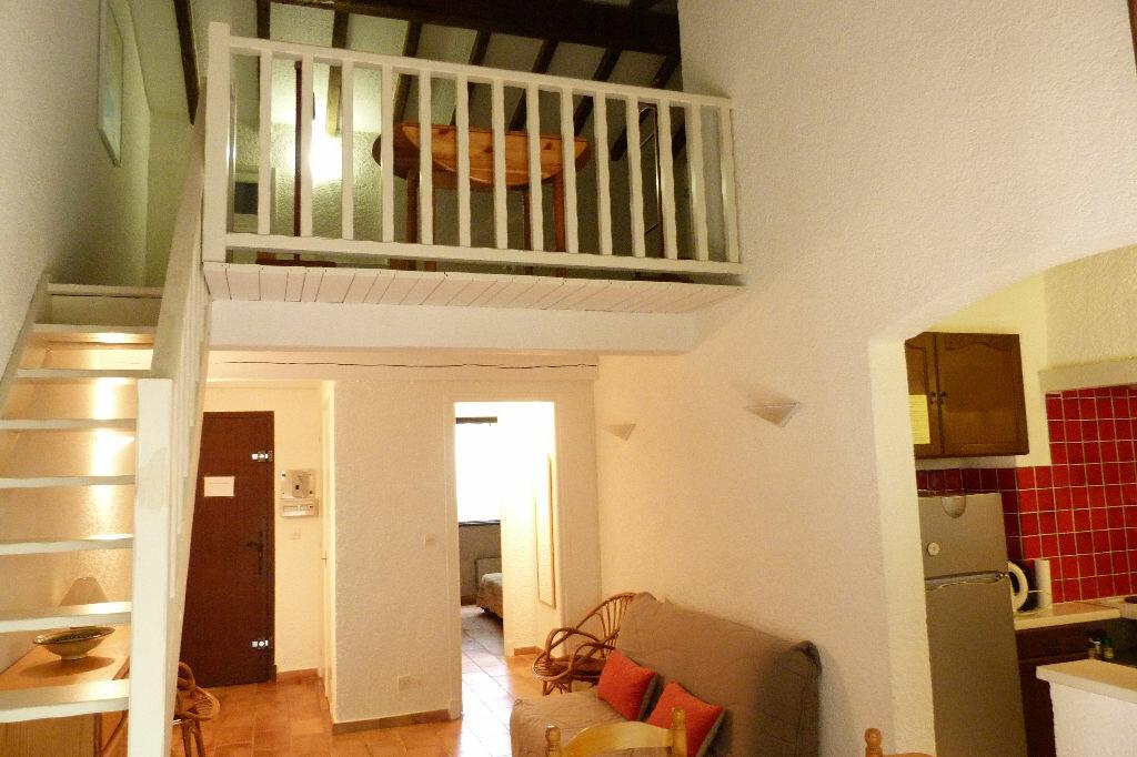 Achat Appartement 3 pièces à Roquebrune-sur-Argens - vignette-2