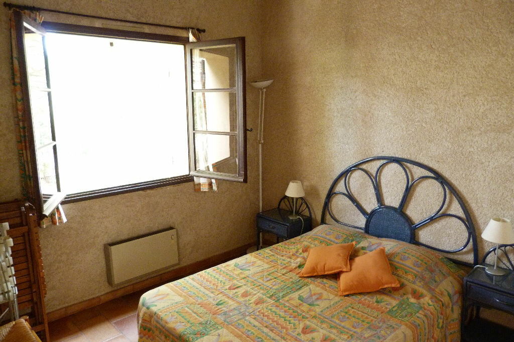 Achat Appartement 3 pièces à Roquebrune-sur-Argens - vignette-4