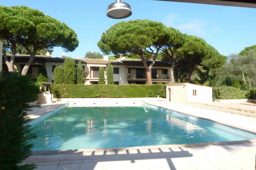 Achat Appartement 3 pièces à Roquebrune-sur-Argens - vignette-5