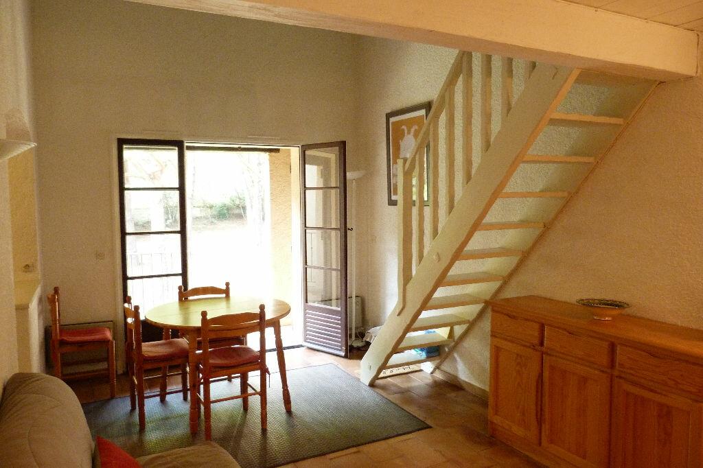 Achat Appartement 3 pièces à Roquebrune-sur-Argens - vignette-6