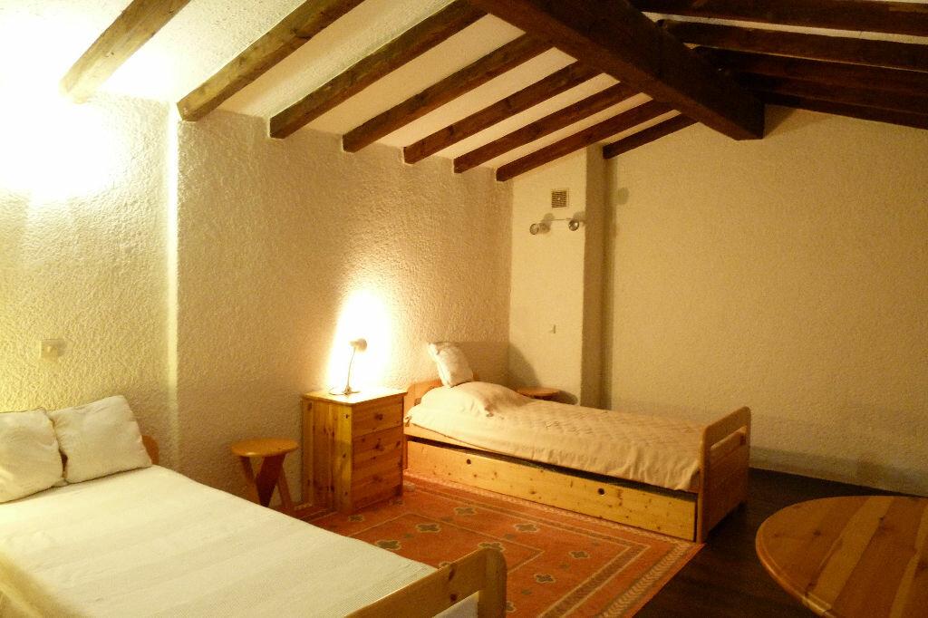 Achat Appartement 3 pièces à Roquebrune-sur-Argens - vignette-9