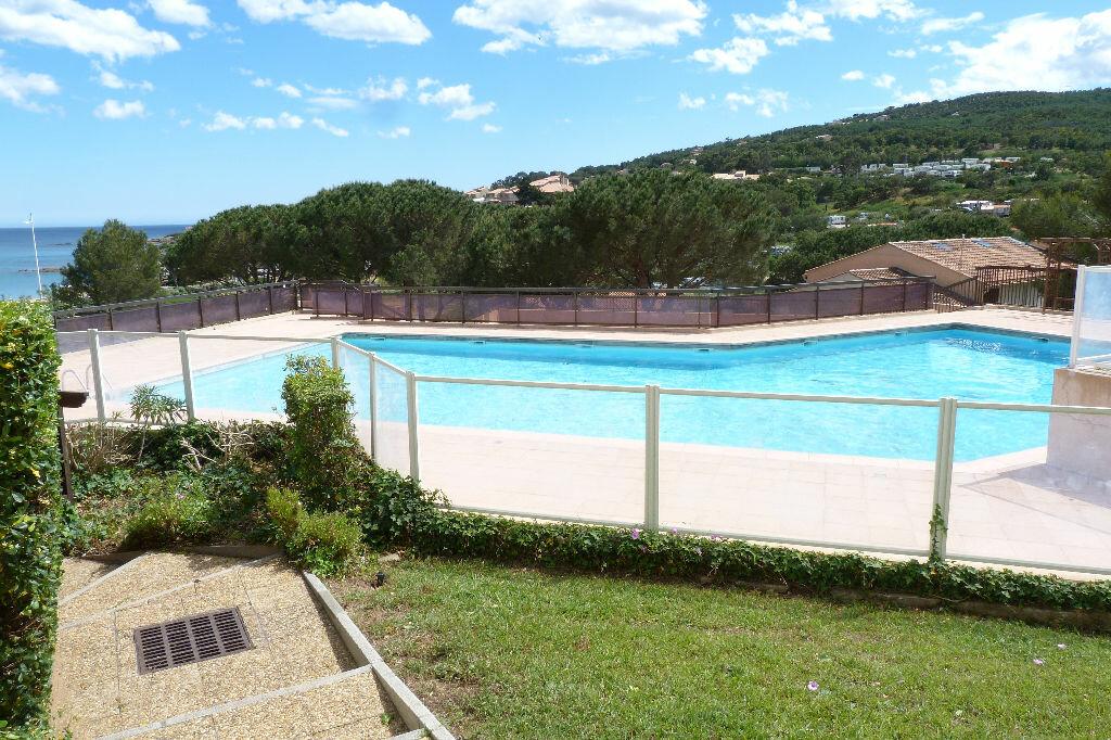 Achat Appartement 2 pièces à Roquebrune-sur-Argens - vignette-1