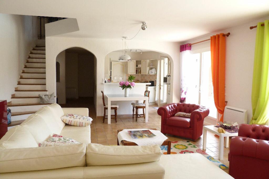 Achat Maison 7 pièces à Roquebrune-sur-Argens - vignette-4