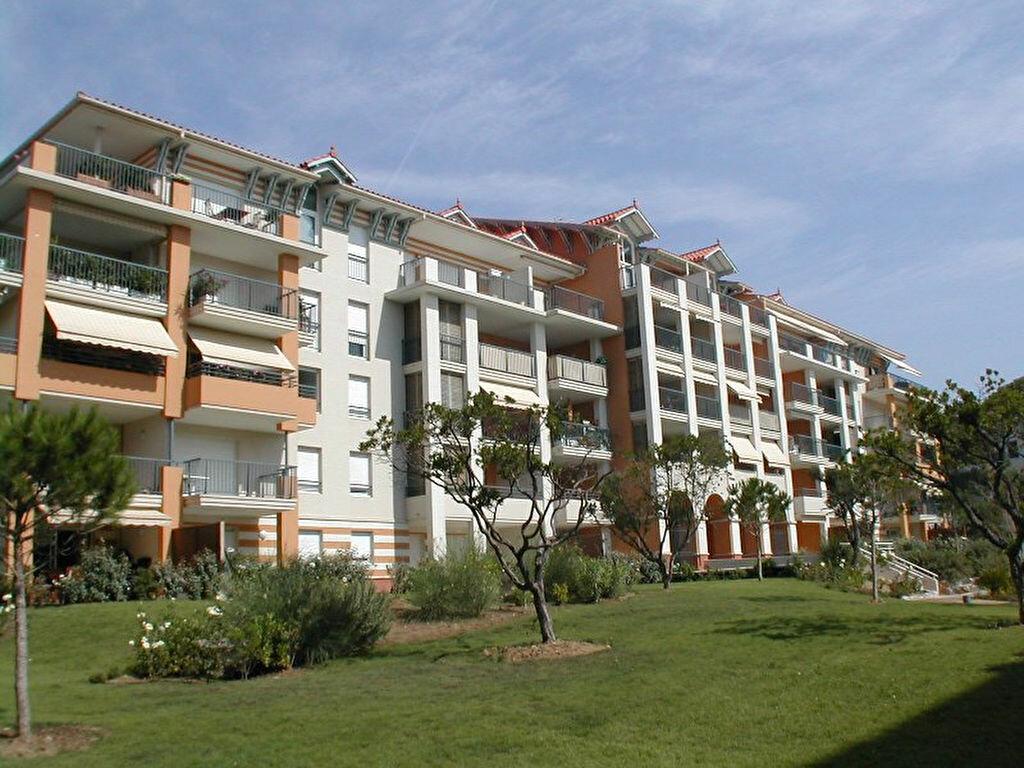 Achat Appartement 3 pièces à Fréjus - vignette-4