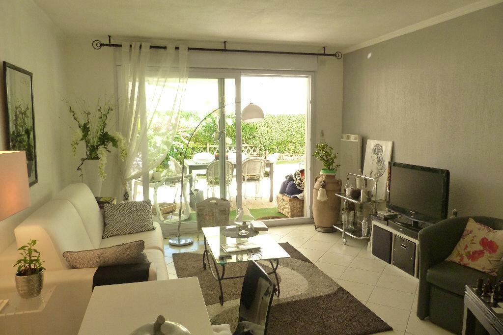 Achat Appartement 3 pièces à Fréjus - vignette-7