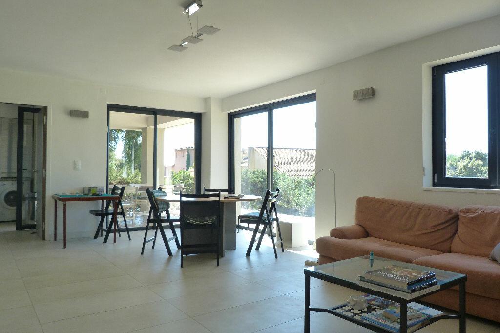 Achat Maison 8 pièces à Roquebrune-sur-Argens - vignette-3
