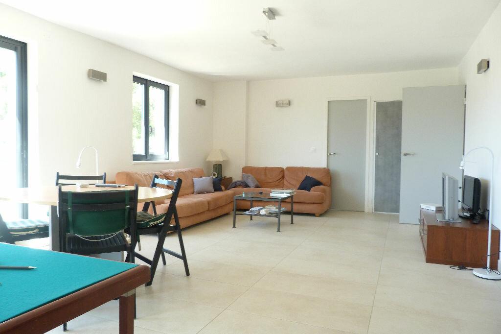 Achat Maison 8 pièces à Roquebrune-sur-Argens - vignette-4