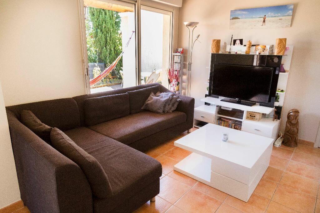 Achat Maison 4 pièces à Roquebrune-sur-Argens - vignette-5