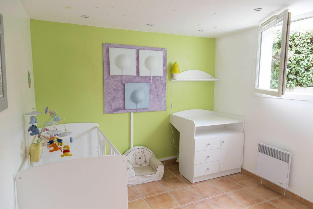 Achat Maison 4 pièces à Roquebrune-sur-Argens - vignette-13