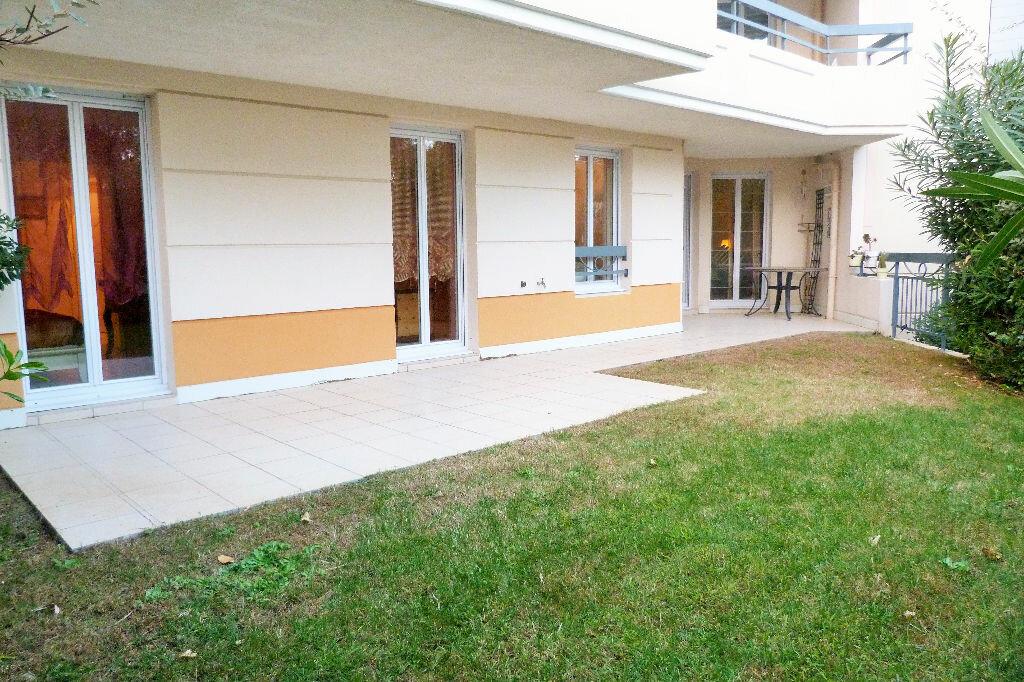Achat Appartement 4 pièces à Fréjus - vignette-9