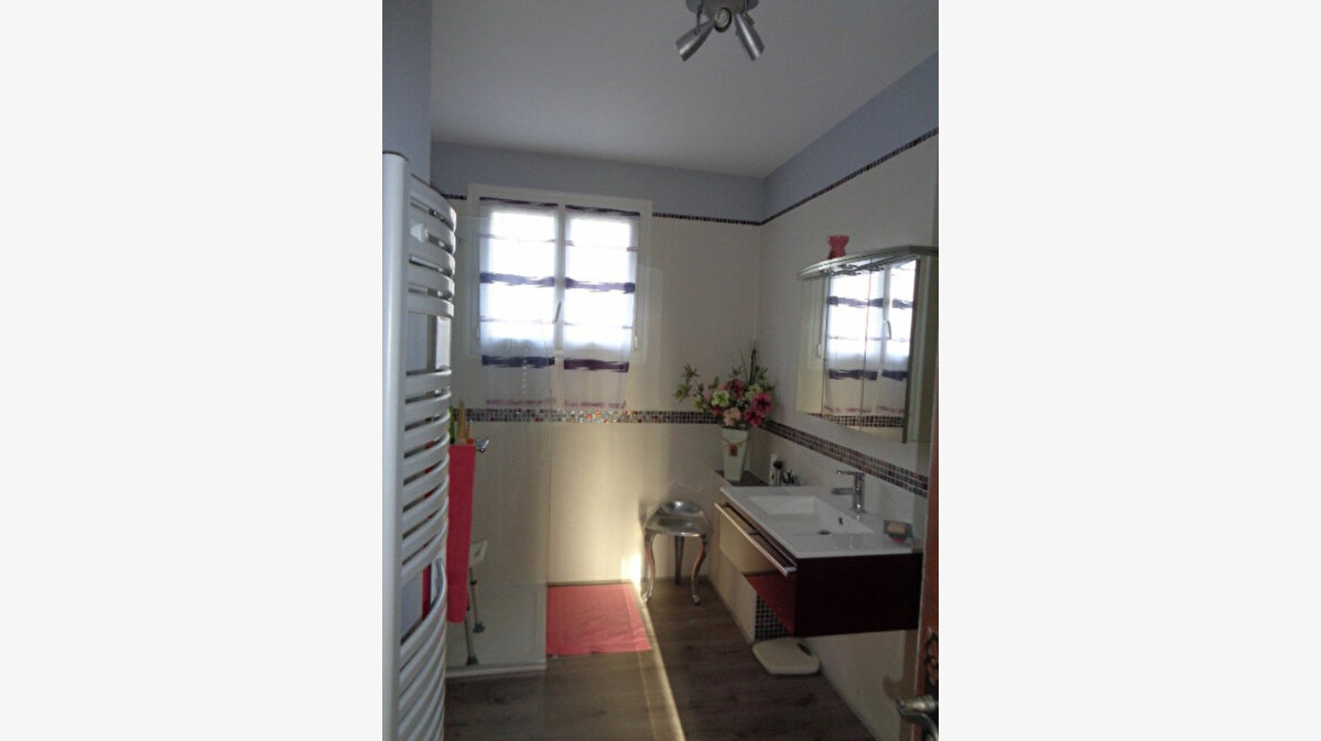 Achat Maison 7 pièces à Neuvy-sur-Barangeon - vignette-6