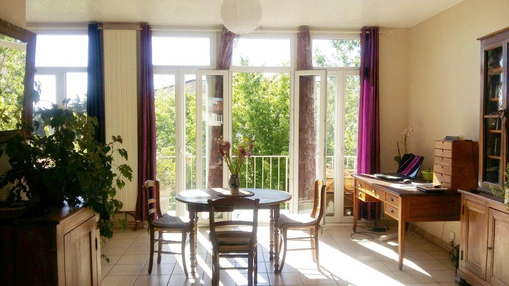 Achat Appartement 4 pièces à Oullins - vignette-1