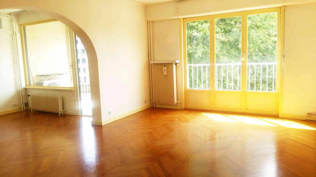 Achat Appartement 4 pièces à Lyon 4 - vignette-1