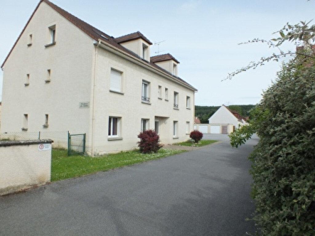 Location Appartement 2 pièces à Ézy-sur-Eure - vignette-1