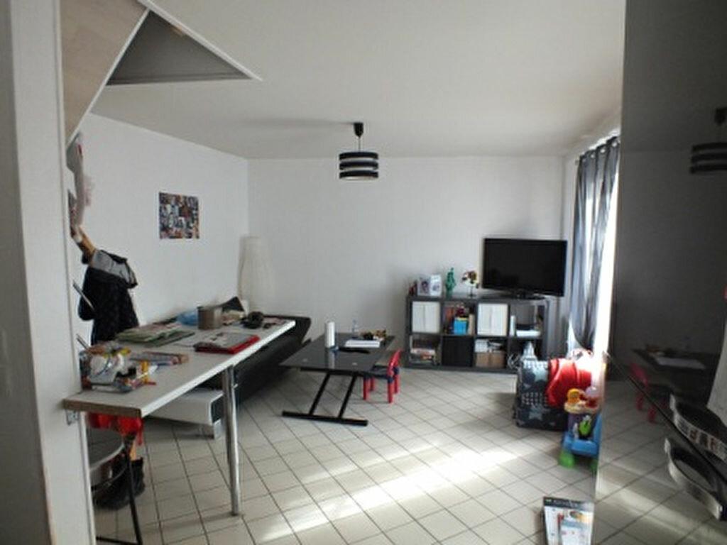 Location Appartement 3 pièces à Anet - vignette-1