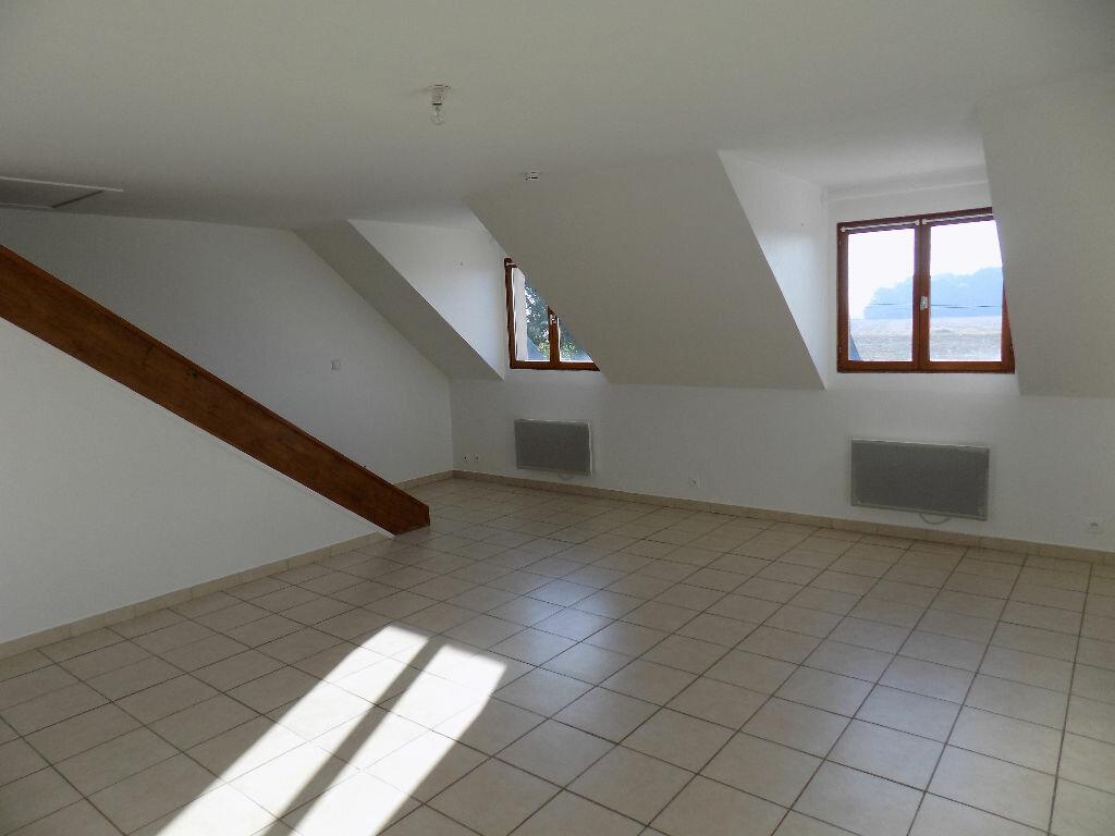Location Appartement 4 pièces à Abondant - vignette-1