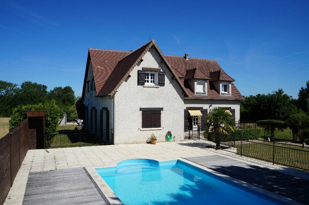 Achat Maison 8 pièces à Saint-Lubin-de-la-Haye - vignette-1