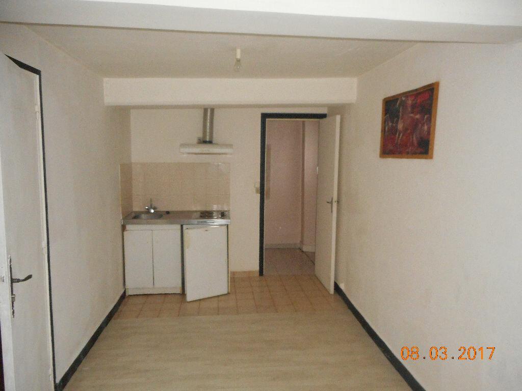 Location Appartement 1 pièce à Isles-les-Meldeuses - vignette-1