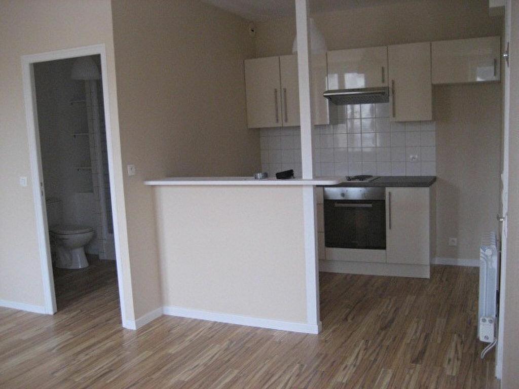Location Appartement 1 pièce à Lizy-sur-Ourcq - vignette-1