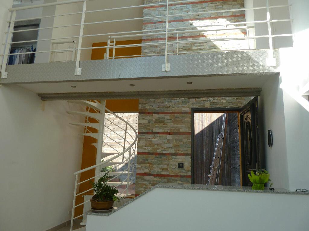 Achat Appartement 7 pièces à Lizy-sur-Ourcq - vignette-1