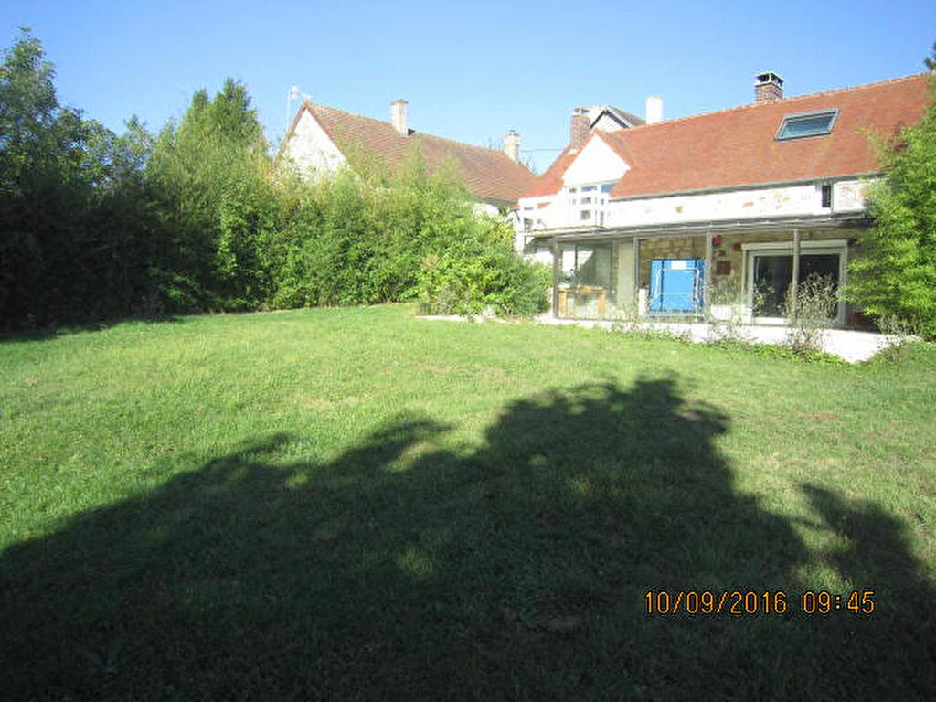 Location Maison 5 pièces à Chouy - vignette-1