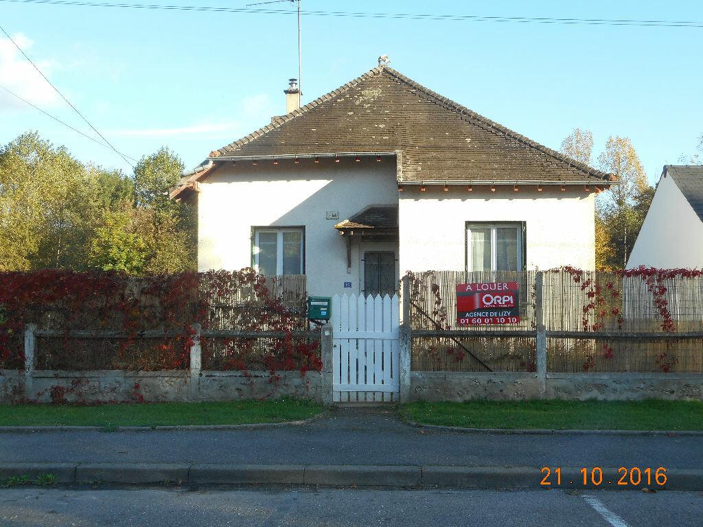 Location Maison 2 pièces à Neufchelles - vignette-1