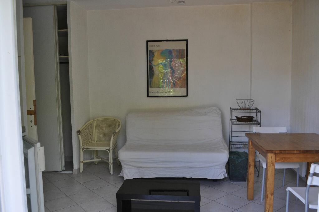 Location Appartement 1 pièce à Nice - vignette-3