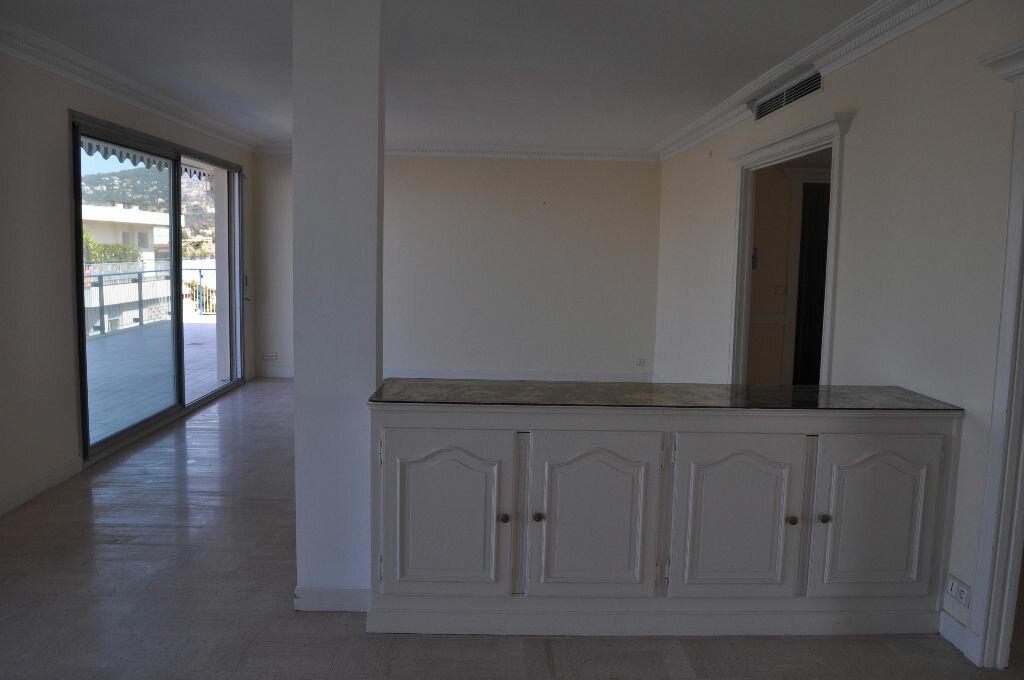 Location Appartement 4 pièces à Nice - vignette-2