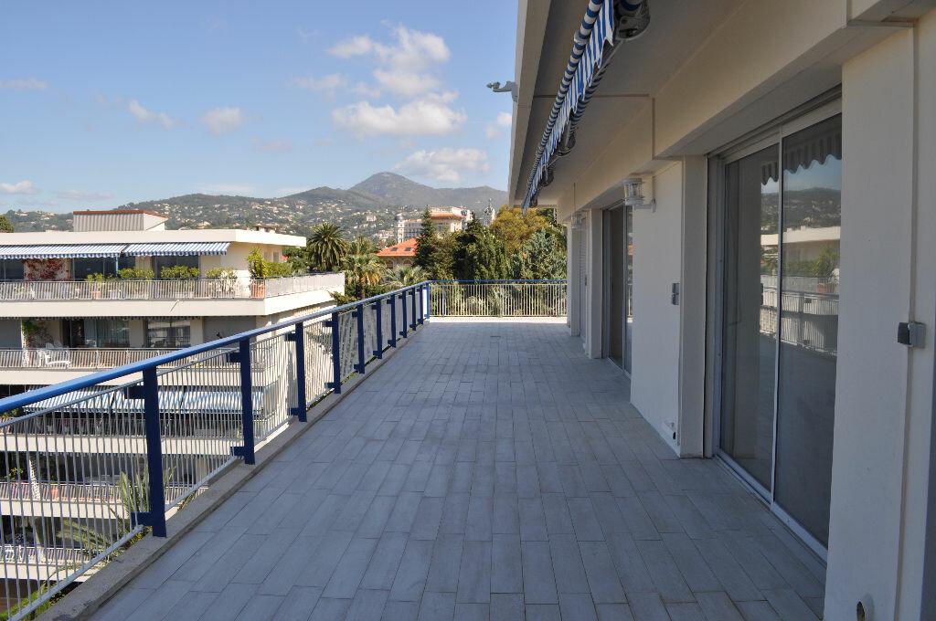 Location Appartement 4 pièces à Nice - vignette-5