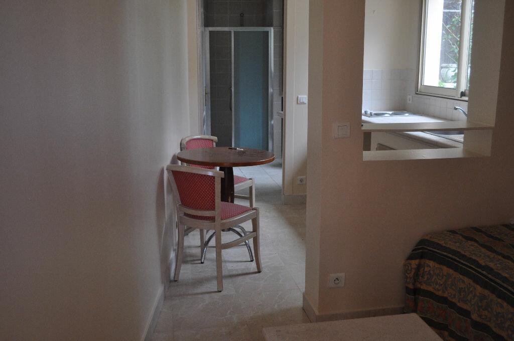 Location Appartement 1 pièce à Villefranche-sur-Mer - vignette-1