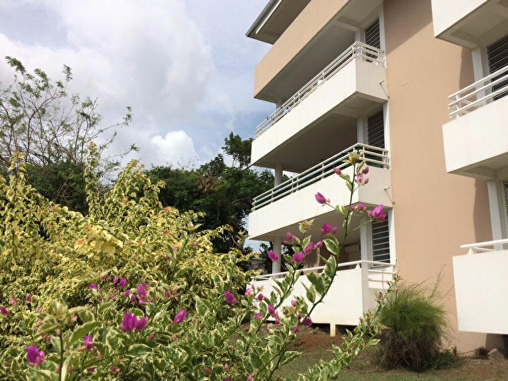 Achat Appartement 2 pièces à Fort-de-France - vignette-1