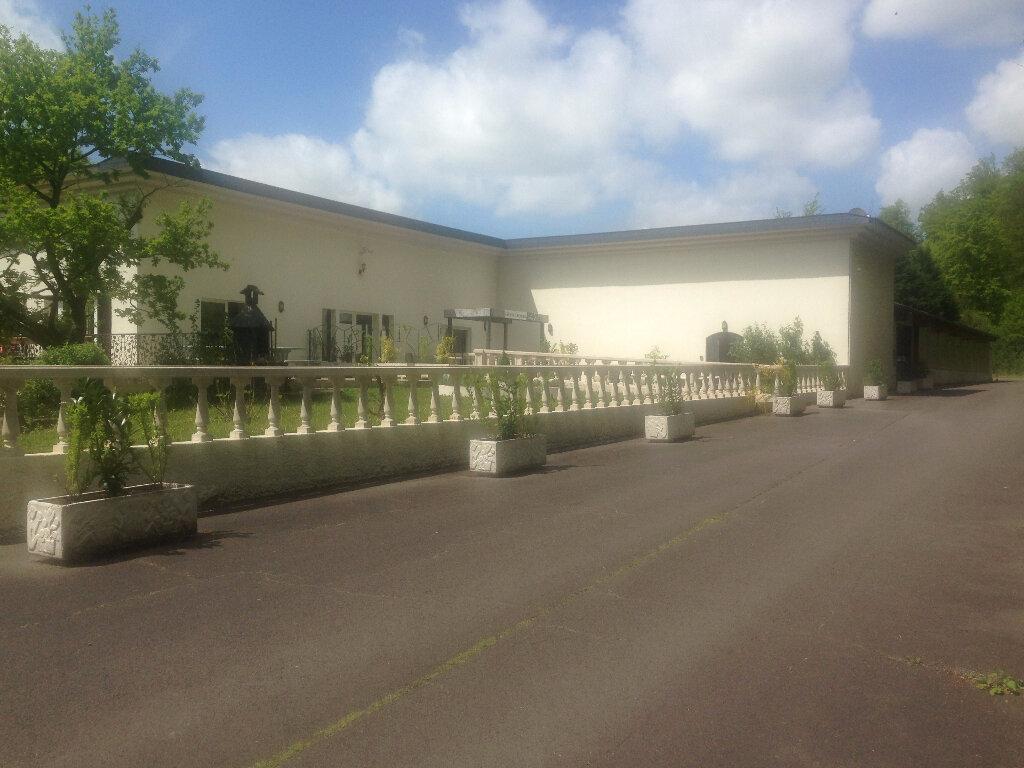 Location Immeuble  à Briey - vignette-1