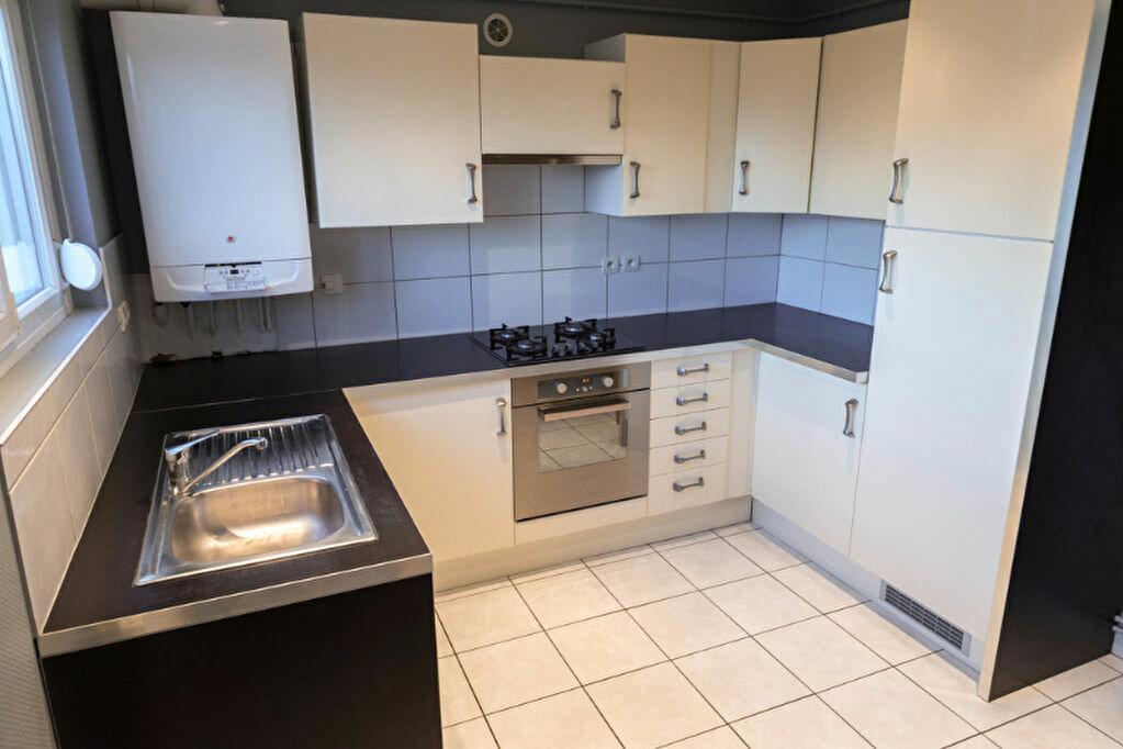 Location Appartement 3 pièces à Homécourt - vignette-1