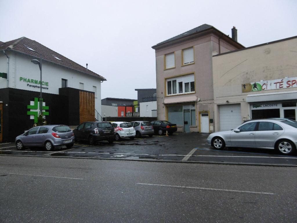 Location Local commercial  à Sainte-Marie-aux-Chênes - vignette-1