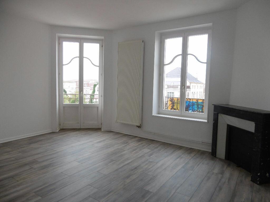 Location Appartement 5 pièces à Jarny - vignette-1