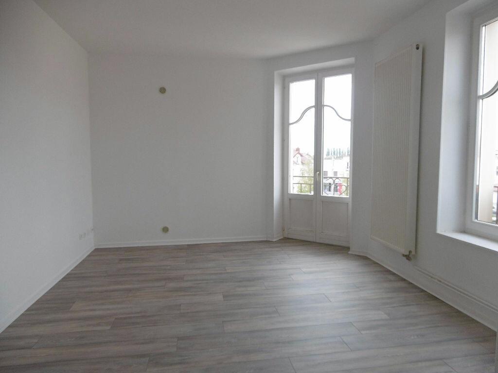 Location Appartement 5 pièces à Jarny - vignette-2