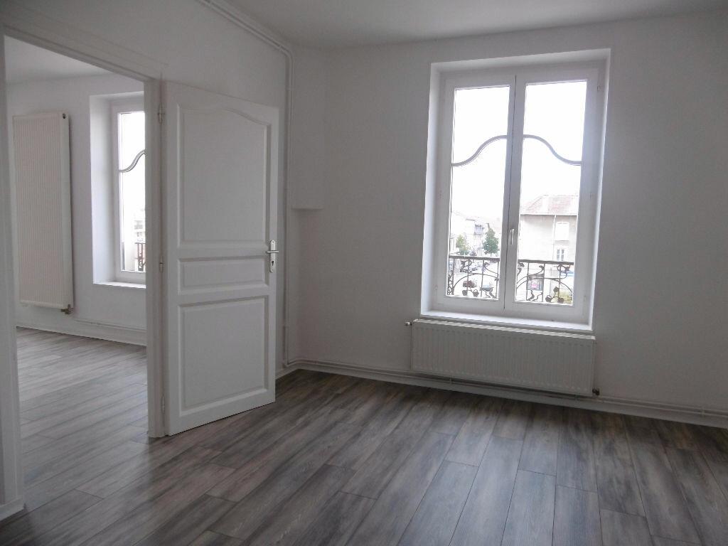 Location Appartement 5 pièces à Jarny - vignette-3