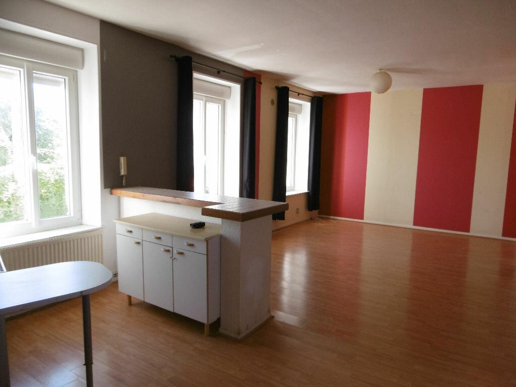 Location Appartement 3 pièces à Joeuf - vignette-1