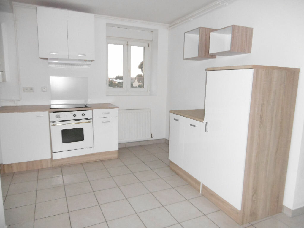 Location Appartement 4 pièces à Avril - vignette-1
