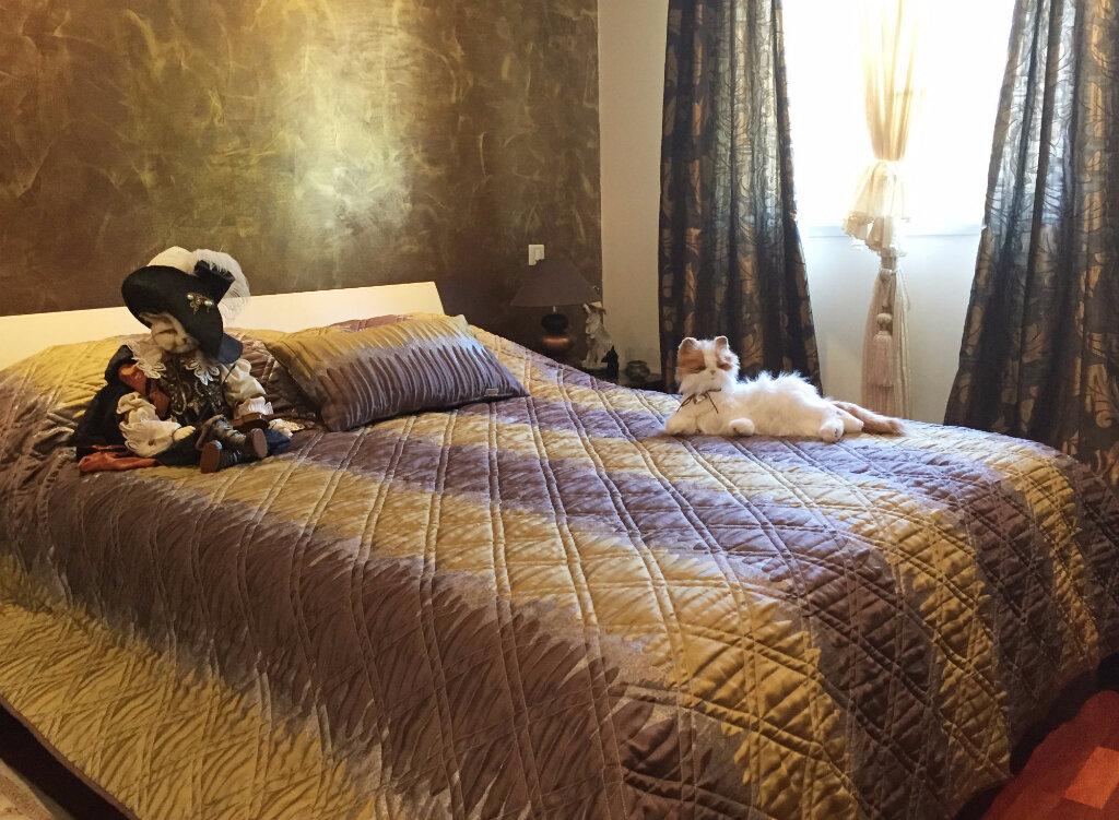 Achat Appartement 4 pièces à Saint-Laurent-du-Var - vignette-5