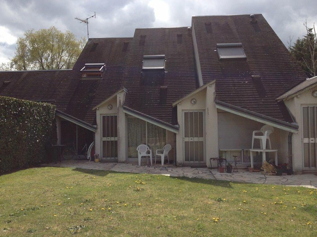 Location Maison 2 pièces à Saint-Denis-en-Val - vignette-1