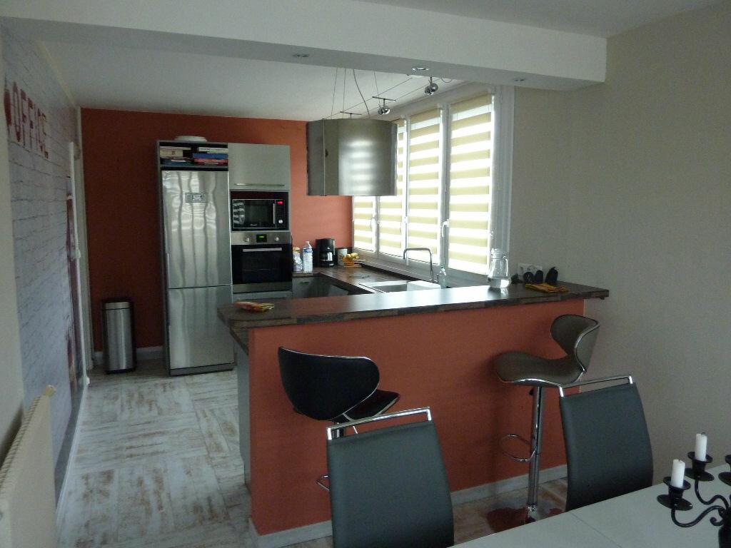 Achat Appartement 4 pièces à Saint-Jean-le-Blanc - vignette-1