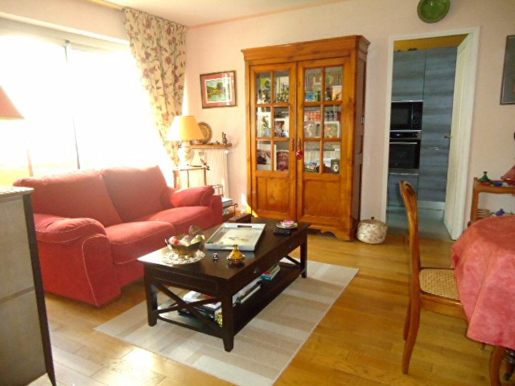 Achat Appartement 4 pièces à Saint-Leu-la-Forêt - vignette-1